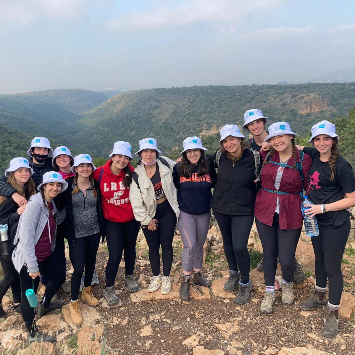 GAP mechina, Hebrew, communal life, year in Israel, volunteer, volunteering, friendships, Shnat Sherut, friends, relationship, BINA Gap year